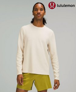 Sports deals in the Lululemon catalog ( More than a month)