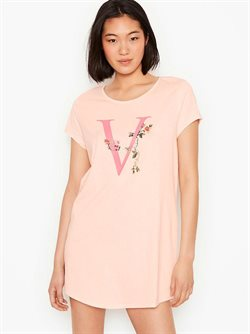 Clothing & Apparel offers in the Victoria's Secret catalogue ( 6 days left )