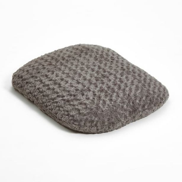 """32"""" X 44"""" Large Oval Soft Furry Pet Bed deals at $9999"""