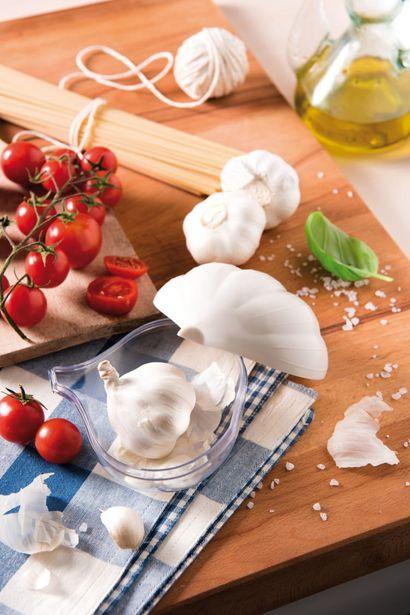 Snips Garlic Keeper deals at $6.99