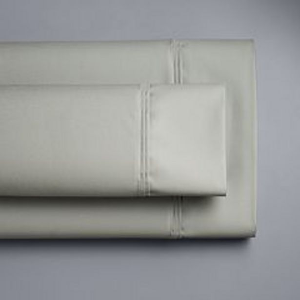 Simply Vera Vera Wang 800 Thread Count Egyptian Cotton Sheet Set or Pillowcases deals at $59.99